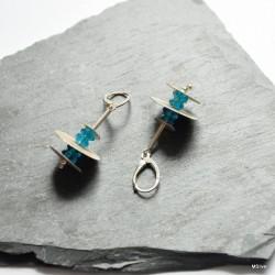 43. Kolczyki srebrne - talerzyki z błękitnymi kryształkami