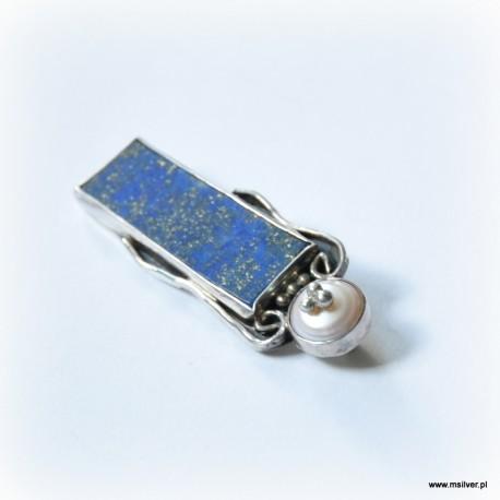 33. Srebrna broszka z lapisem i perłą