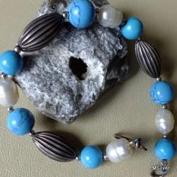 49. Srebrna bransoletka z turkusami i perłami