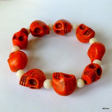 68. Bransoletka z czaszkami z howlitu