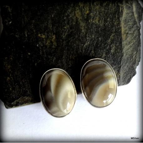 60. Klipsy srebrne z krzemieniem pasiastym