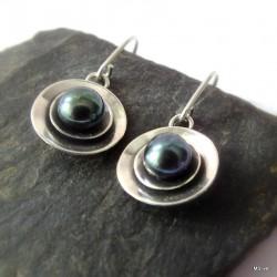 299. Kolczyki srebrne - talerzyki z perłą