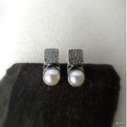 311. Kolczyki srebrne z perłami