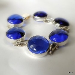 108. Srebrna bransoletka z szafirowym szkłem