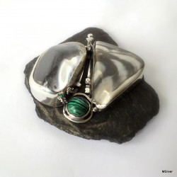 367. Srebrny wisior z kryształem górskim