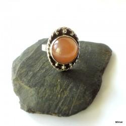 58. Srebrny pierścionek z agatem