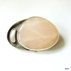 31. Srebrna broszka z kwarcem różowym