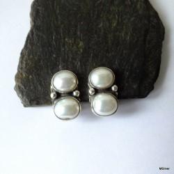 49. Klipsy srebrne z perłami