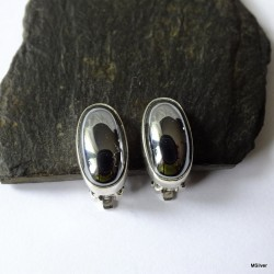 158. Klipsy srebrne z hematytem