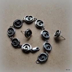 Komplet biżuterii z różyczkami