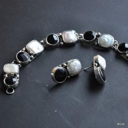 Komplet biżuterii z perłami i onyksem