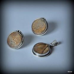 40. Komplet biżuterii z beżowym jaspisem