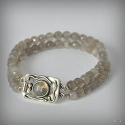 Srebrna bransoletka z kamieniem księżycowym